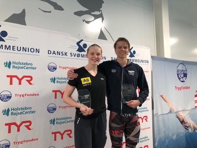 f8ca4561f11 På fjerdedagen blev det Julie Kepp Jensen fra A6 / Jyllinge med 866 point  og Tobias B. Bjerg fra AGF Svømning med 898 point, som løb med pokalerne  for ...