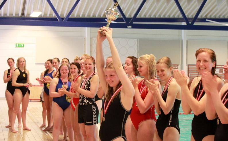 De glade kvinder der vandt DM i vandpolo 2013