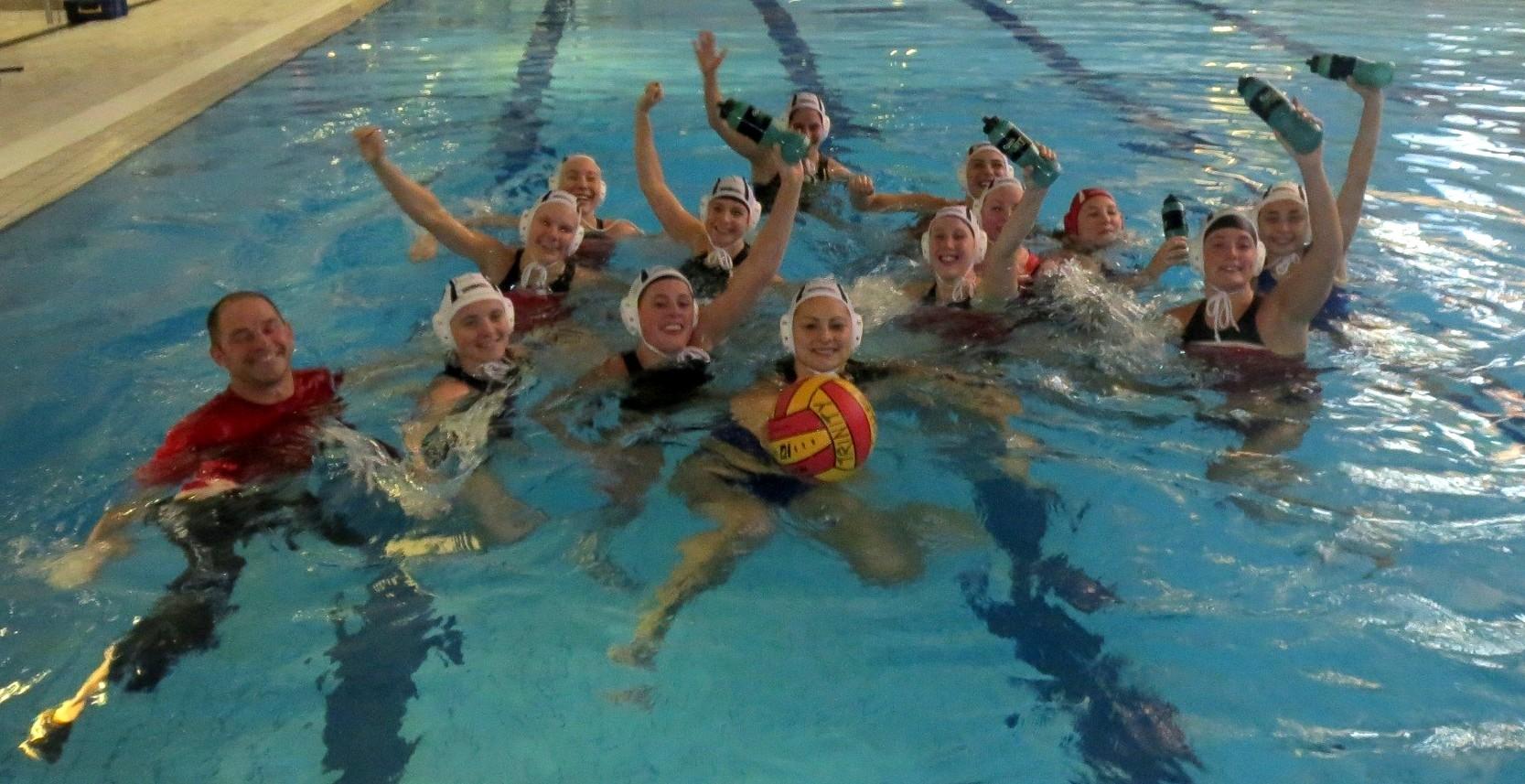 Damelandsholdet i vandet i Irland 2013