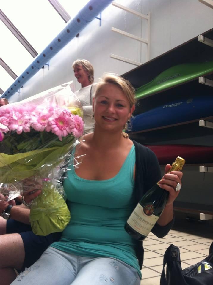 Emma Morgen Hansen fik blomster og bobler