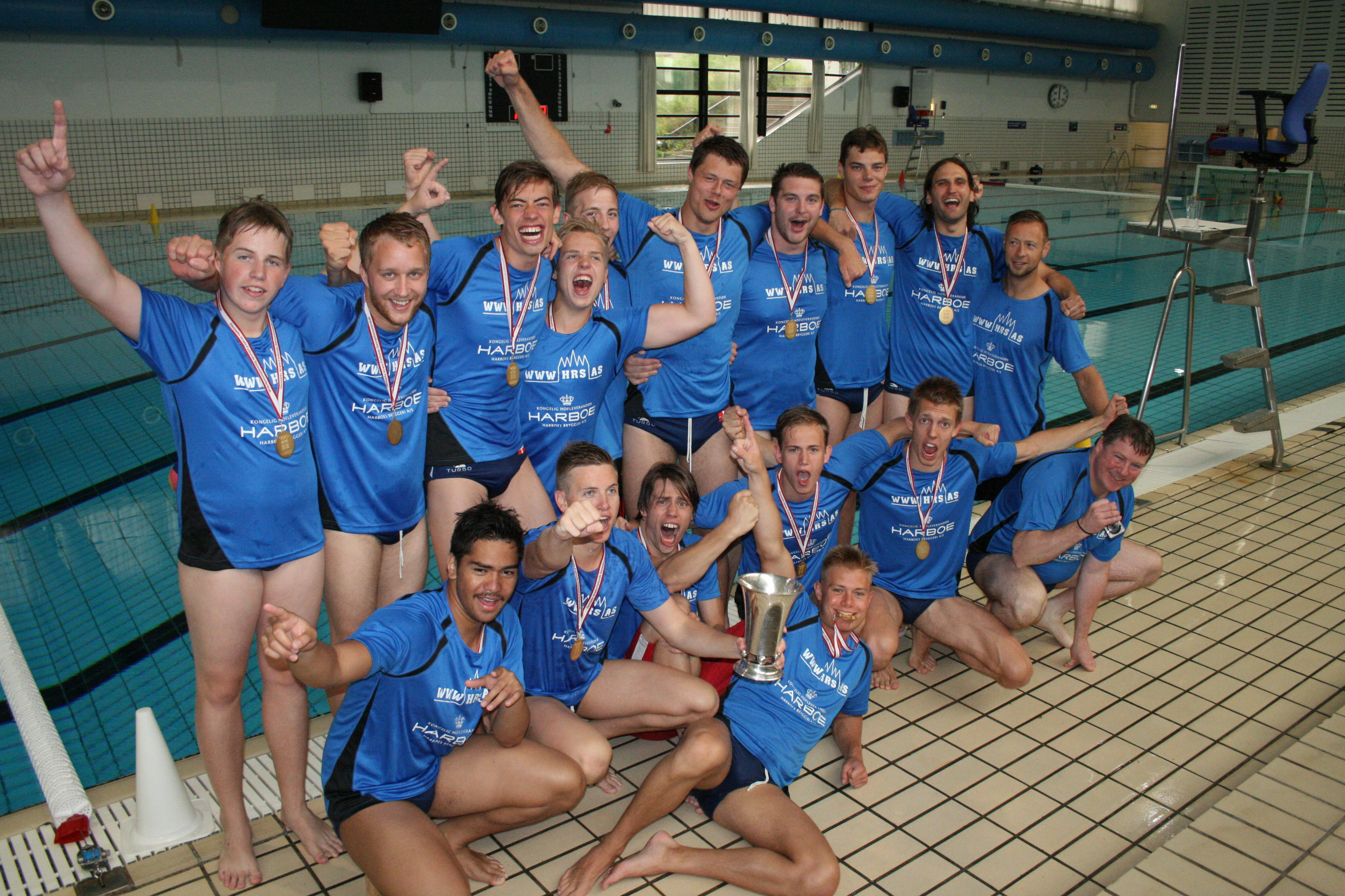 Slagelse Svømmeklub vinder DM guld for andet år efter to finalesejre