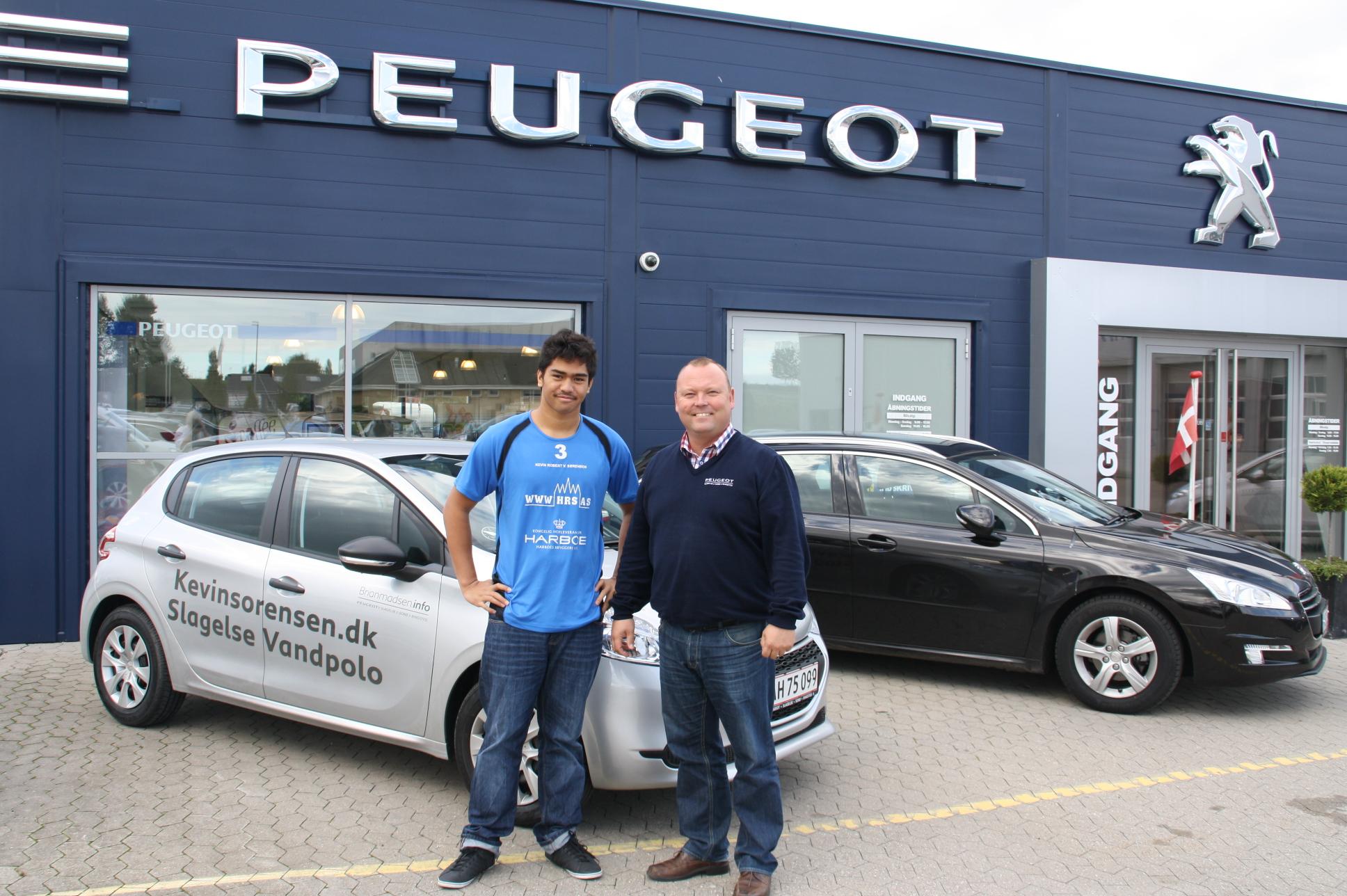 Peugeot i Slagelse er sponsor for vandpolospiller Kevin Sørensen